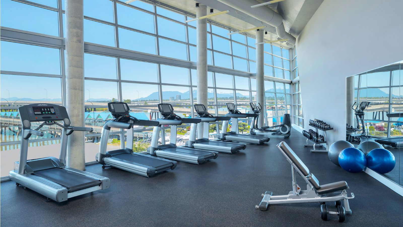 Vancouver Airport Hotel Amenities - WestinWORKOUT Fitness Center