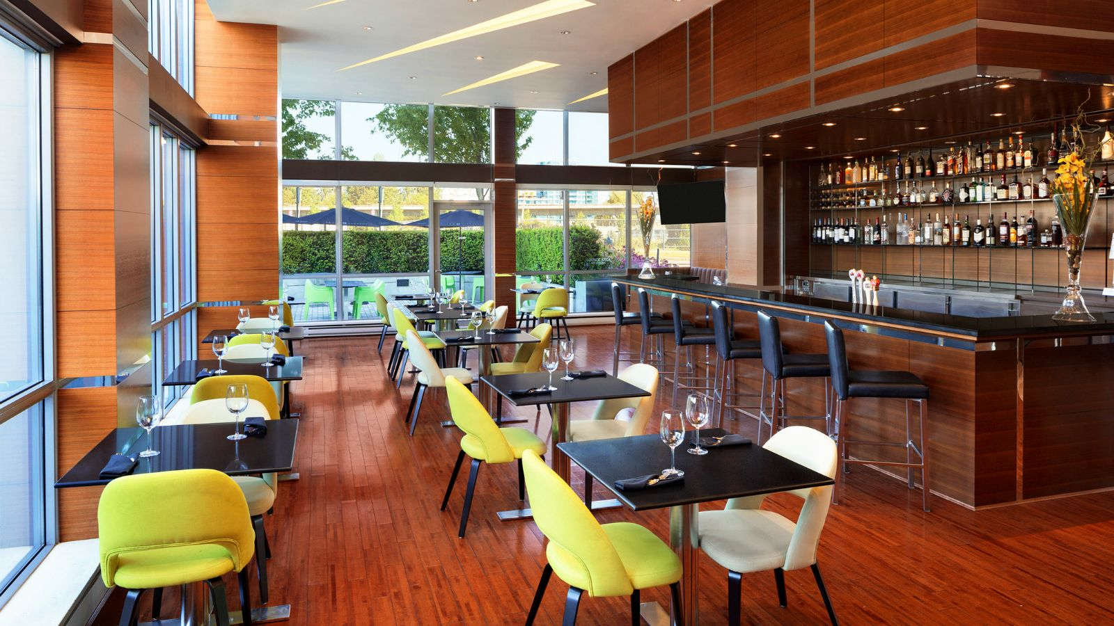 The Apron Restaurant - Vancouver Airport Meeting Space